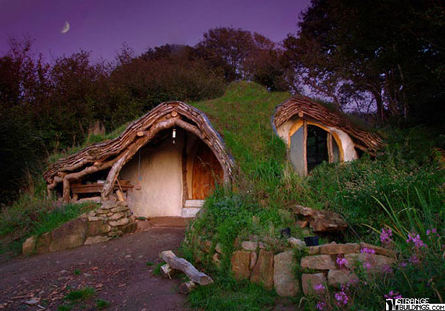 Low-Impact-Woodland-House-Wales-1
