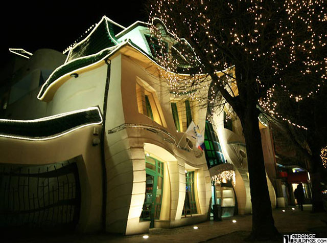 The-Crooked-House-Sopot-2