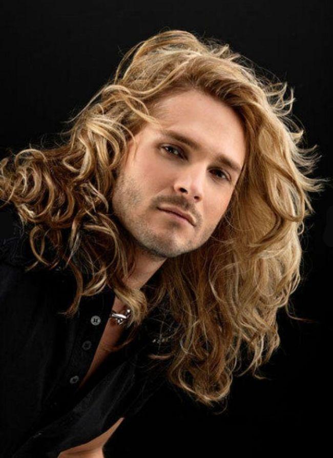 homens-cabelo-longo-07