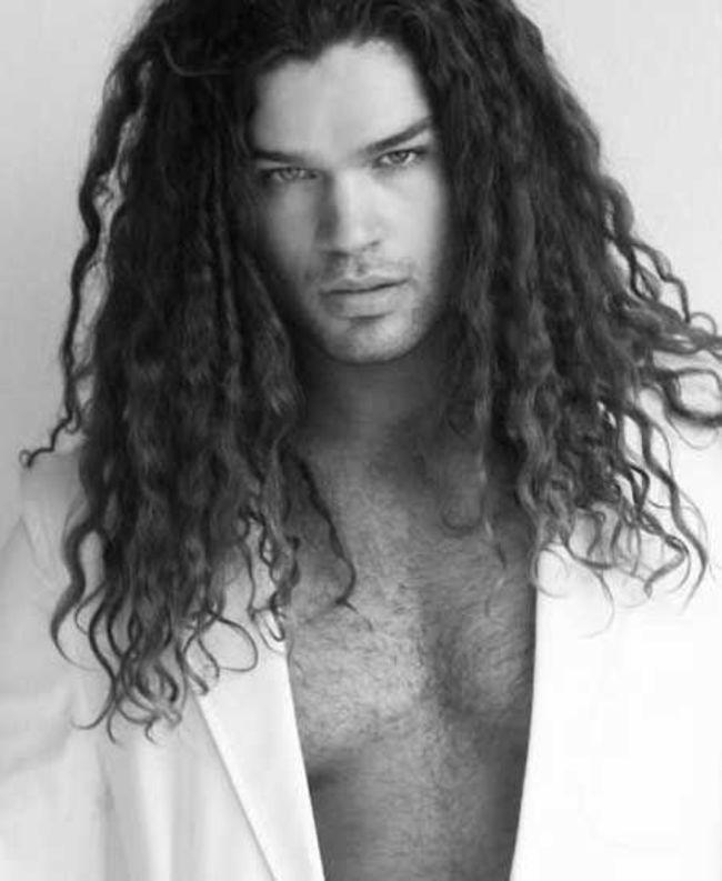 homens-cabelo-longo-25
