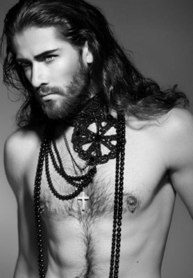 homens-cabelo-longo-27