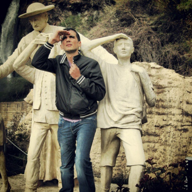 pessoas-que-sabem-tirar-fotos-com-estátuas-002