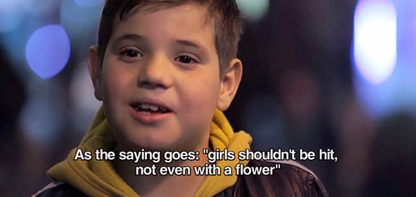 reação-crianças-bater-garota-13