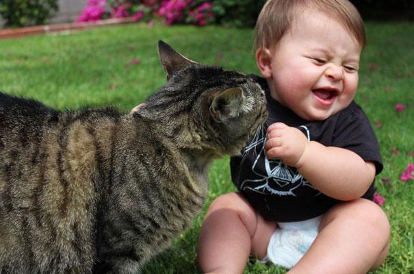 crianças-com-gatos-19