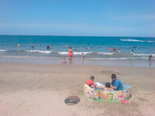 cenas-inusitadas-capturadas-na-praia-23
