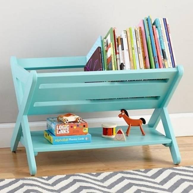 21 ideias para guardar as coisas no quarto das crian as for Diy kids bookshelf ideas