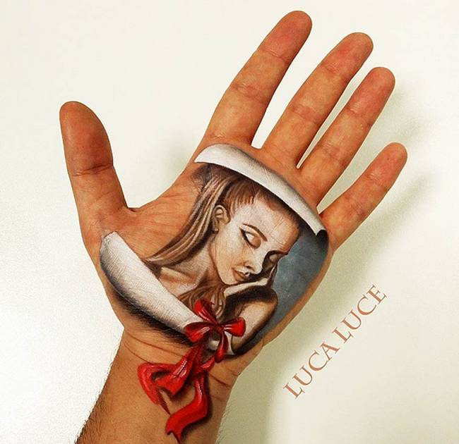 maquiador-faz-pinturas-nas-mãos-11
