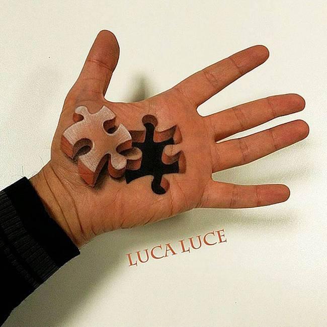 maquiador-faz-pinturas-nas-mãos-5