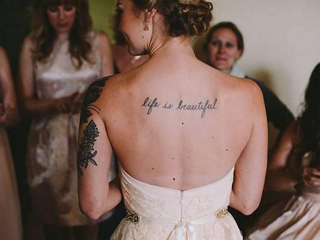 noivas-que-mostraram-suas -tatuagens-no-altar-13
