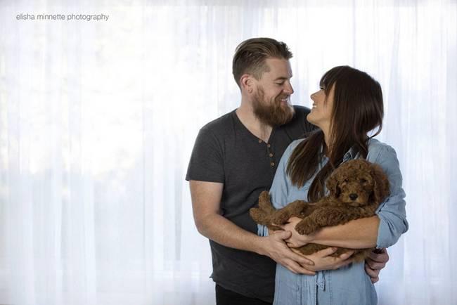 casal-faz-ensaio-fotográfico-com-cachorro-10