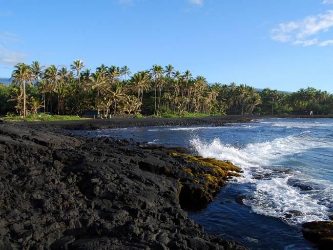 praias-com-areia-negra-10
