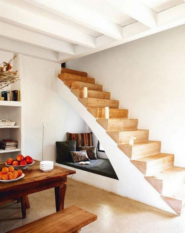 14_Embaixo_Escada