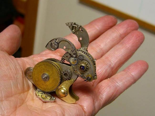 artista-cria-animais-com-mecanismos-de-relógios-velhos-7