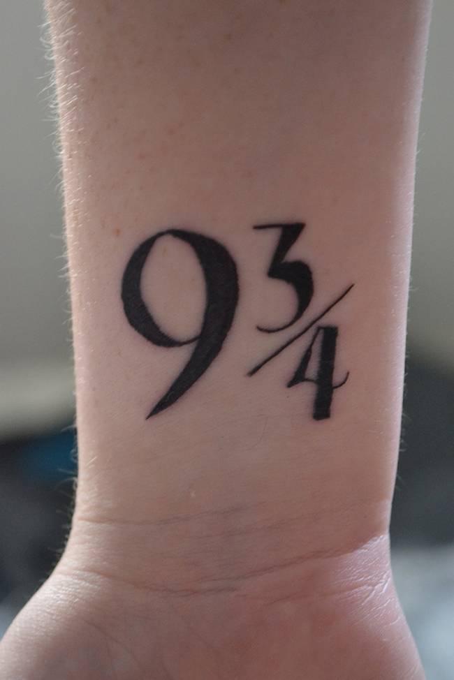 Resultado de imagem para tatuagens inspiradas em livros