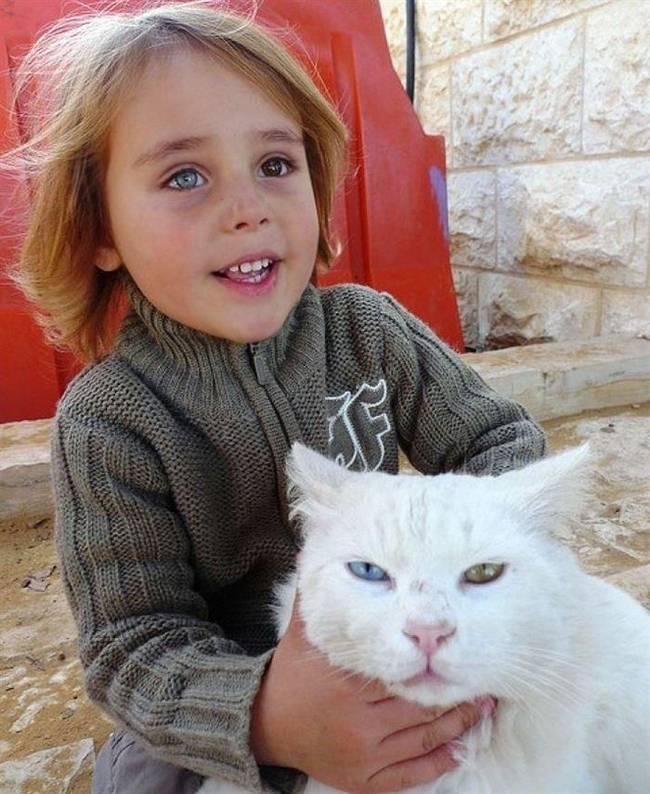crianças-precisam-de-animais-de-estimação-28