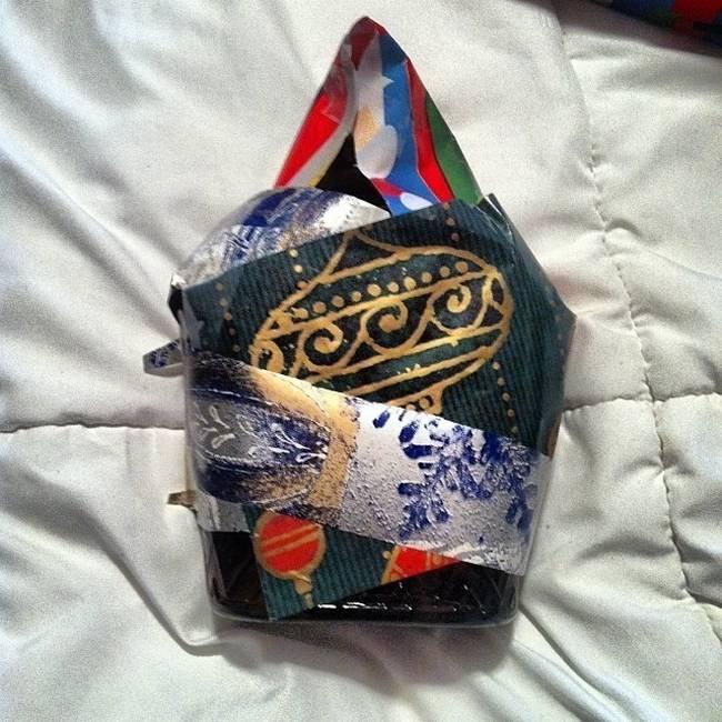 pessoas-que-embrulharam-mal-seus-presentes-de-natal-17