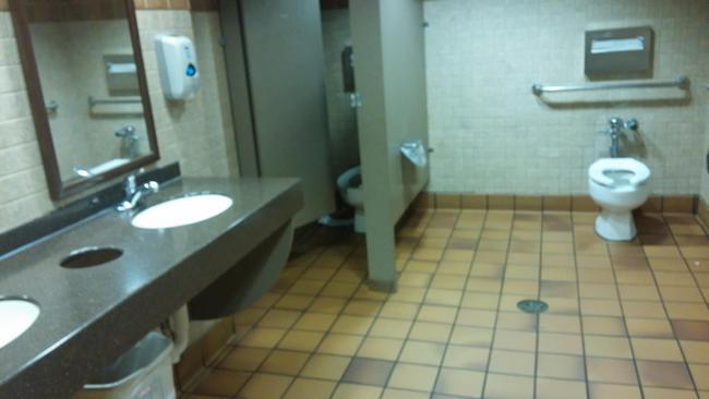 banheiros-inferno-14