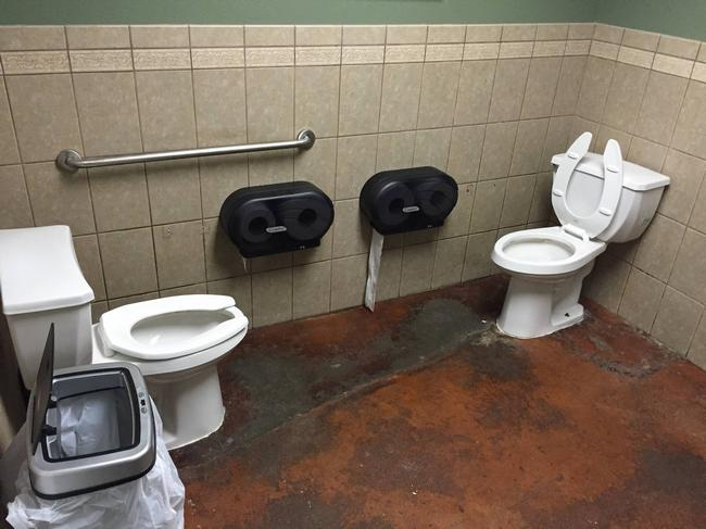 banheiros-inferno-23