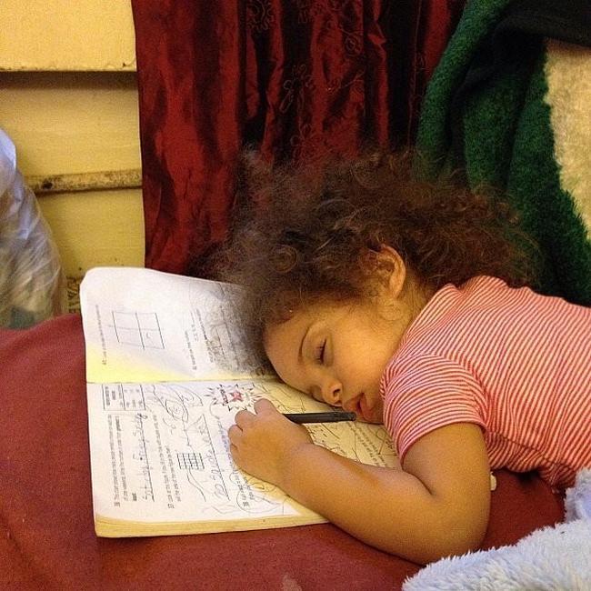 criancas-dormem-qqr-lugar-22