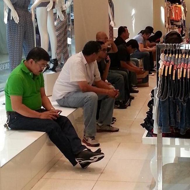 Homens-Comprando-12.1