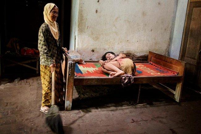 doentes-mentais-em-hospitais-da-indonesia-2