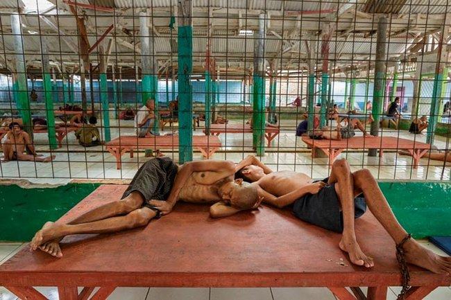 doentes-mentais-em-hospitais-da-indonesia-3
