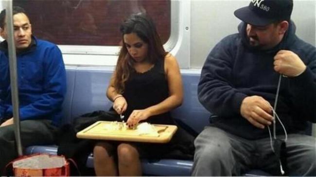 Metro-Bizarro-1