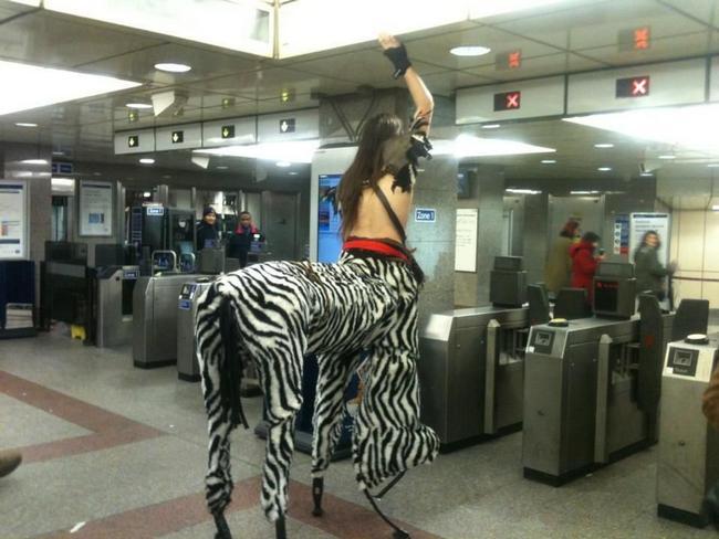 Metro-Bizarro-2