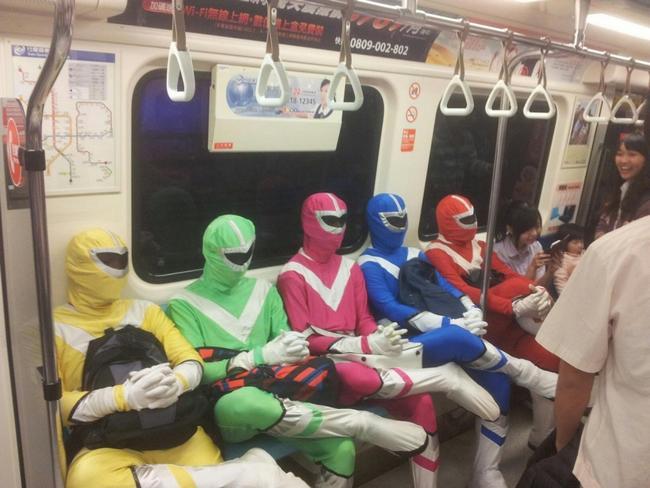 Metro-Bizarro-5