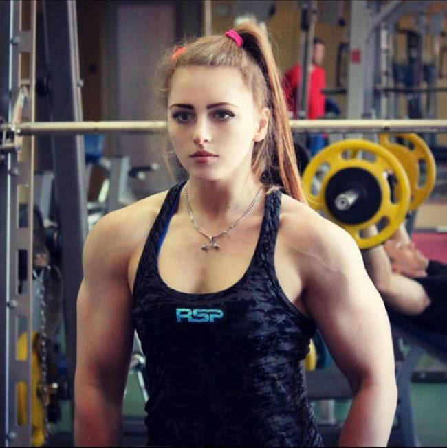 Barbie-Musculosa-2