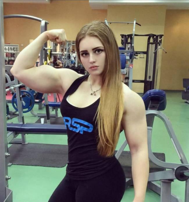 Barbie-Musculosa-3