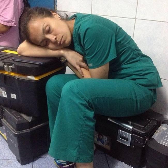 Medico-Dormindo-6