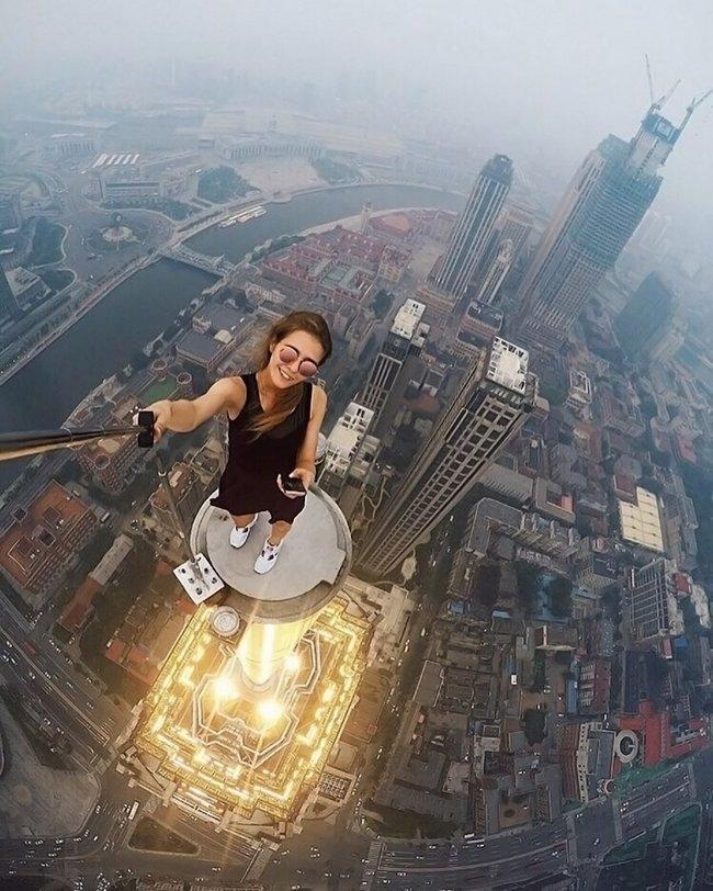garota-tira-selfies-arrepiantes-3