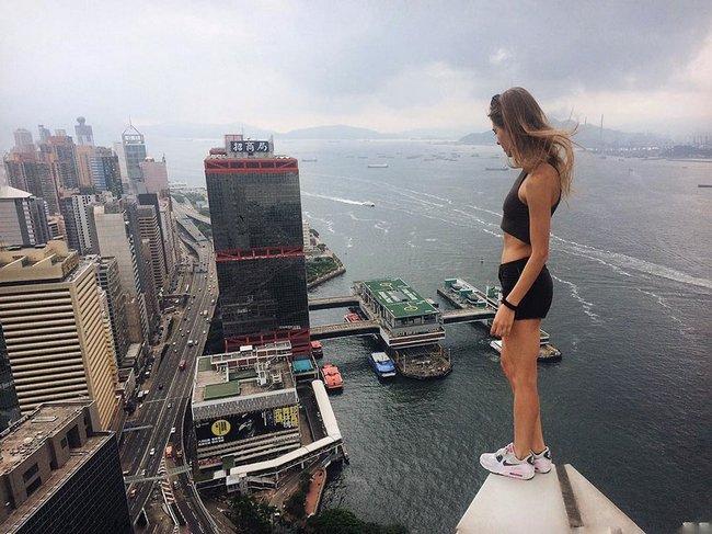 garota-tira-selfies-arrepiantes-7