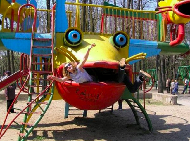 parques-diversao-bizarro-10