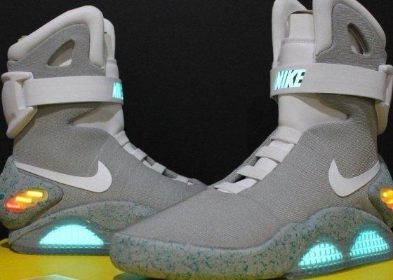 d76898ea8dd 10 – Nike Air Mag (R  277